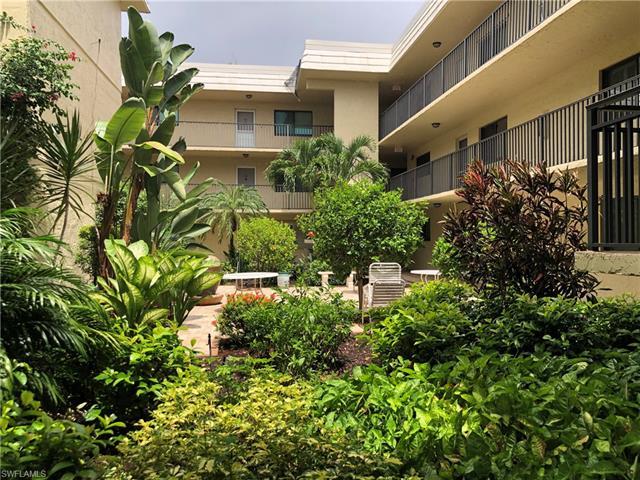 788 Park Shore Dr C34, Naples, FL 34103