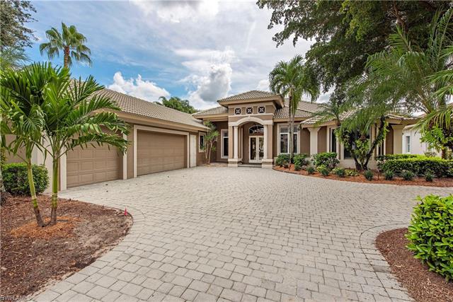 5958 Amberwood Dr, Naples, FL 34110