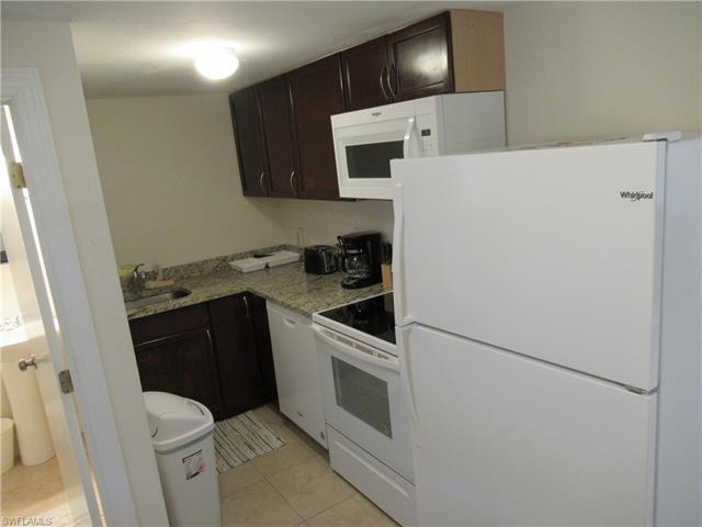 778 107th Ave N, Naples, FL 34108
