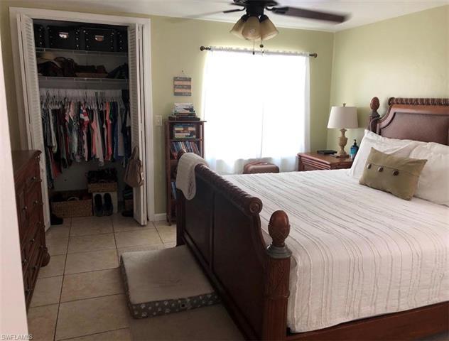 29 Caribbean Rd, Naples, FL 34108