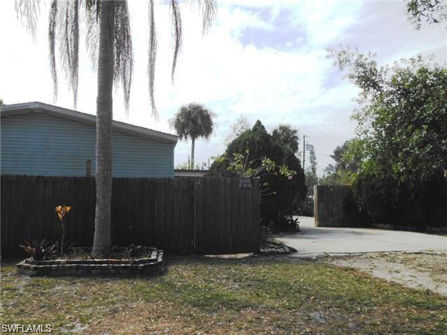 4982 Dean St, Fort Myers, FL 33905