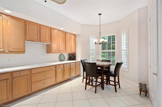 375 Sea Grove Ln 6-101, Naples, FL 34110