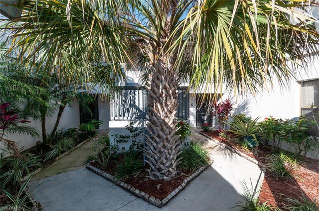 17458 Blueberry Hill Dr E, Fort Myers, FL 33908