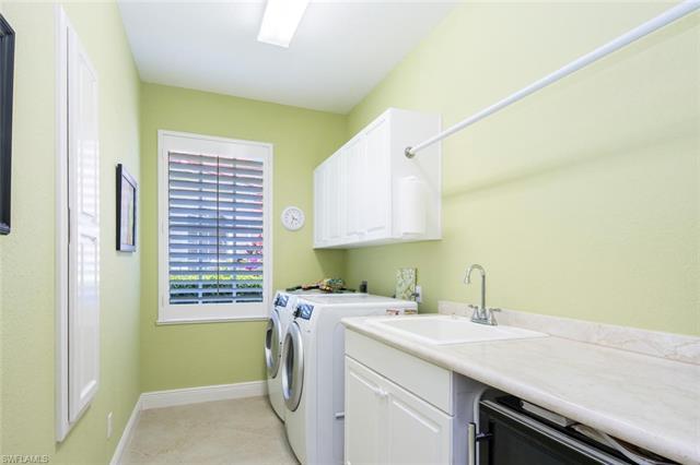 5186 Kensington High St, Naples, FL 34105
