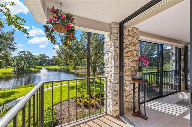 5964 Pelican Bay Blvd 425, Naples, FL 34108