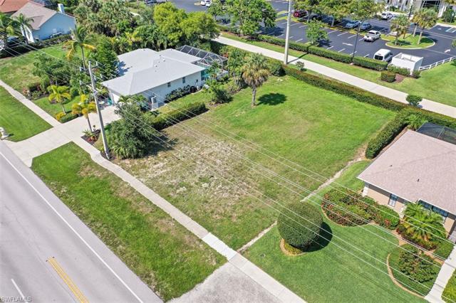 307 Heathwood Dr, Marco Island, FL 34145
