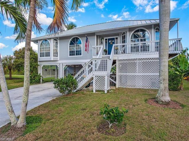 681 Diplomat Ct, Marco Island, FL 34145