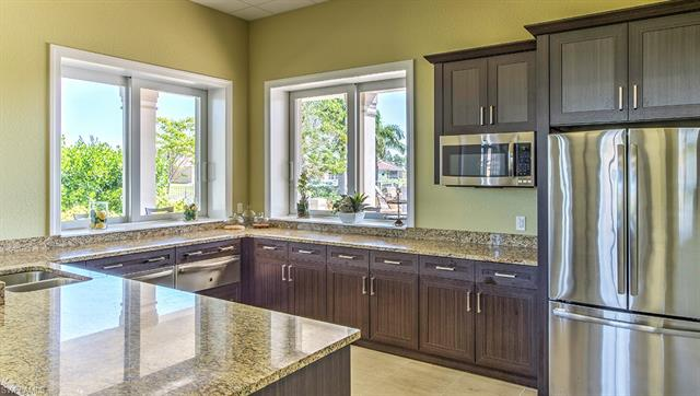 2881 Royal Gardens Ave, Fort Myers, FL 33916