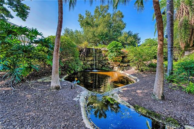 600 Neapolitan Way 234, Naples, FL 34103