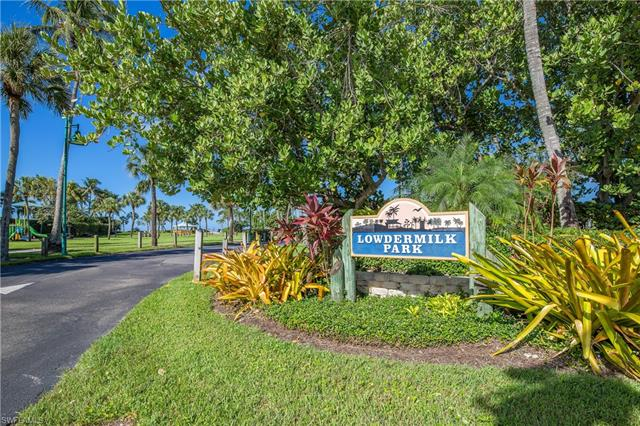 1300 Gulf Shore Blvd N 304, Naples, FL 34102
