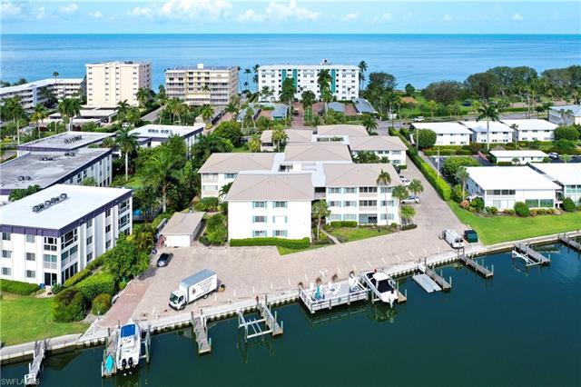 1950 Gulf Shore Blvd N 312, Naples, FL 34102