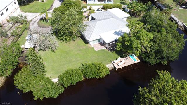 27171 Holly Ln, Bonita Springs, FL 34135