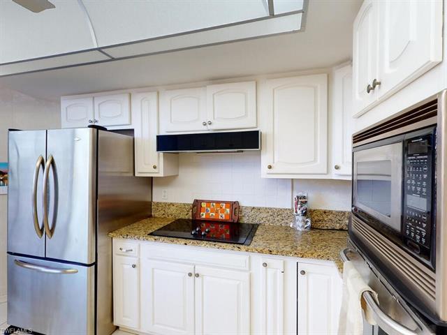 220 Collier Blvd 204, Marco Island, FL 34145