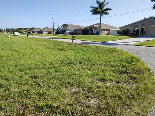 101 10th St, Cape Coral, FL 33993