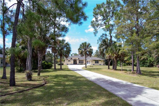 2661 2nd St Ne, Naples, FL 34120