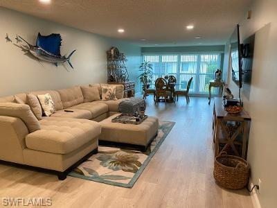 142 Palm Dr 3002, Naples, FL 34112