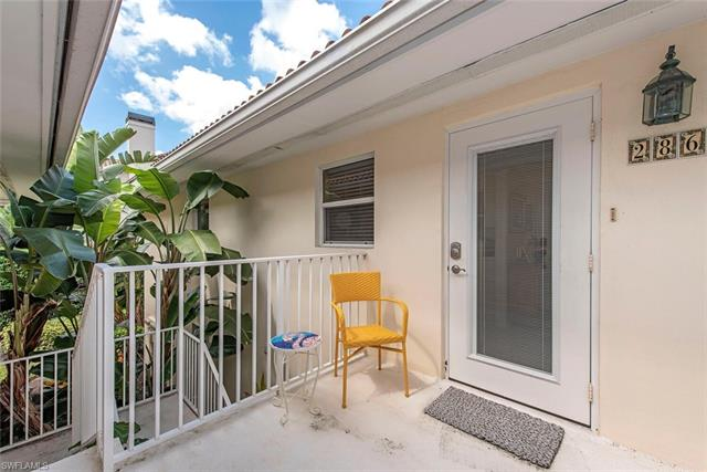 286 4th St S 203, Naples, FL 34102