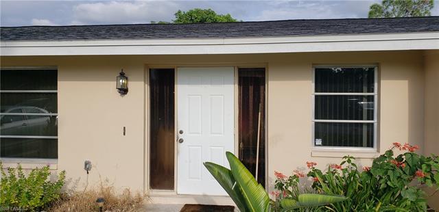 996 Bluebird St, Naples, FL 34104