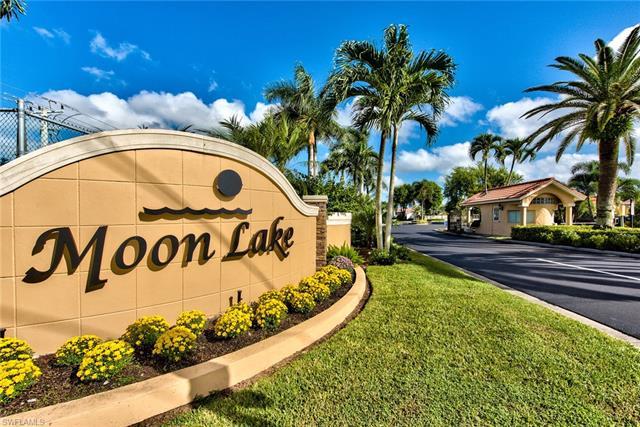 1040 Moon Lake Dr, Naples, FL 34104