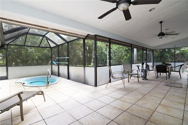 2517 Kings Lake Blvd, Naples, FL 34112