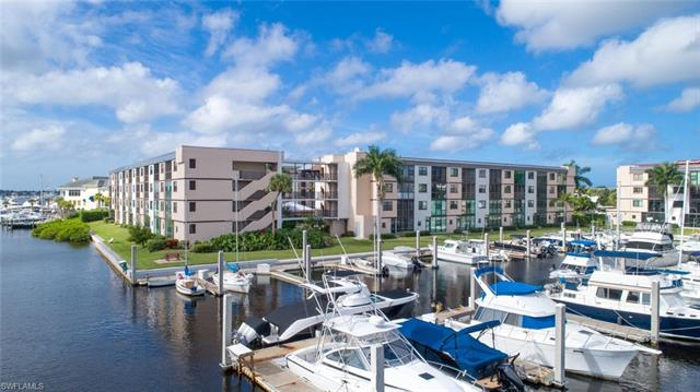 803 River Point Dr 203b, Naples, FL 34102