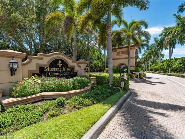 8714 Mustang Island Circle, Naples, FL 34113