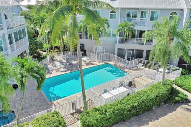 149 Barefoot Cir, Bonita Springs, FL 34134