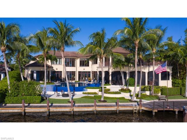 980 Aqua Cir, Naples, FL 34102