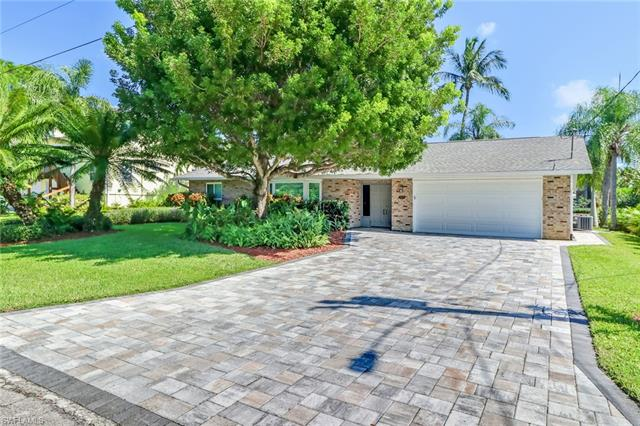 27195 Belle Rio Dr, Bonita Springs, FL 34135