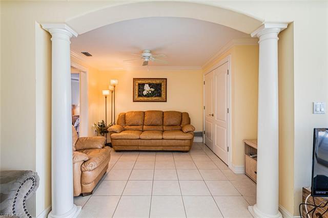 865 Robin Ct, Marco Island, FL 34145