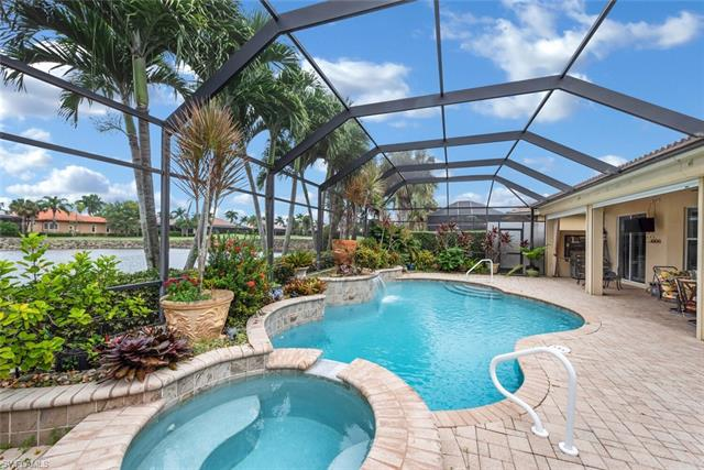 8840 Mustang Island Cir, Naples, FL 34113