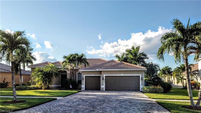 2156 Grove Dr, Naples, FL 34120