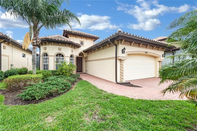 7872 Valencia Ct, Naples, FL 34113