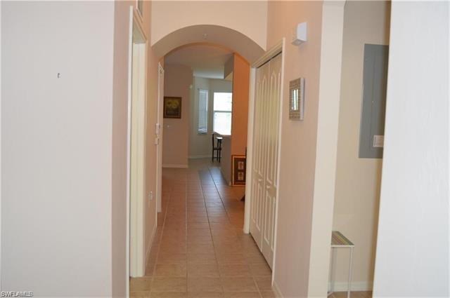 2835 Cypress Trace Cir 4-102, Naples, FL 34119