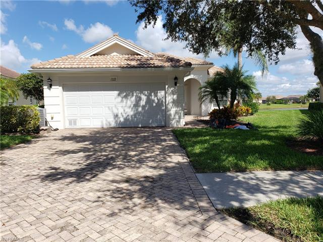 2230 Heydon Cir W, Naples, FL 34120