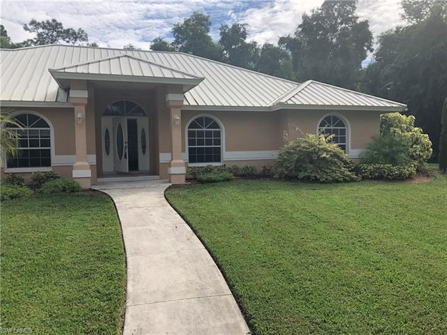 1490 Oakes Blvd, Naples, FL 34119
