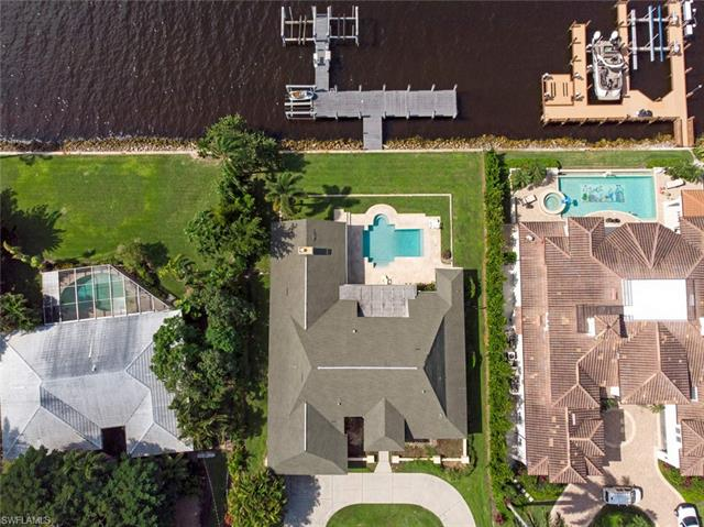 2330 Kingfish Rd, Naples, FL 34102