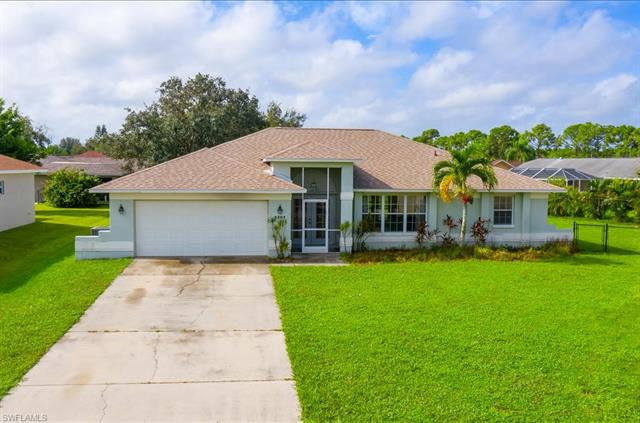 3281 Lemon Ln, Naples, FL 34120
