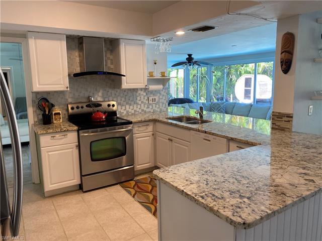 169 Heather Grove Ln, Naples, FL 34113