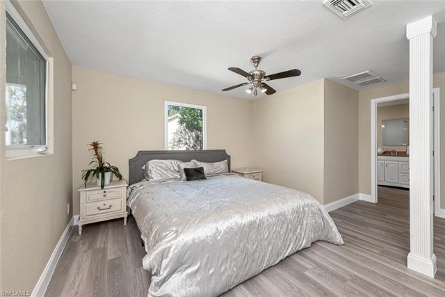 703 106th Ave N, Naples, FL 34108