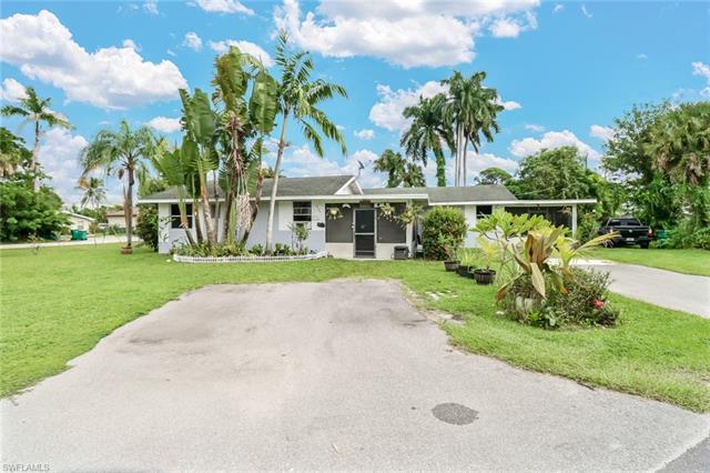 2132 Palm St, Naples, FL 34112