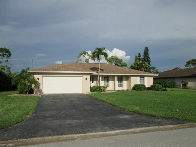 478 Cypress Way E, Naples, FL 34110