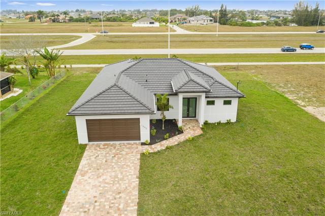 1031 10th Pl, Cape Coral, FL 33909