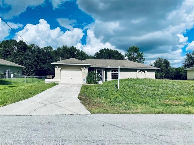 2810 51st St W, Lehigh Acres, FL 33971