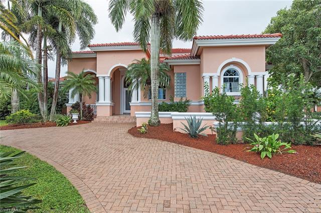 2089 Kingfish Rd, Naples, FL 34102