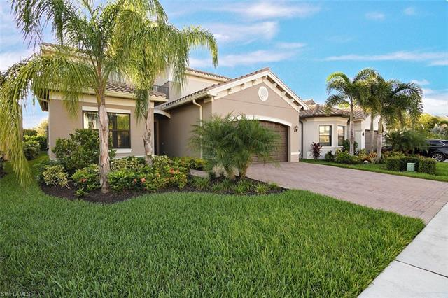 4562 Kensington Cir, Naples, FL 34119