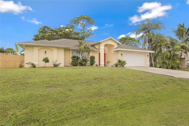 17384 Delaware Rd, Fort Myers, FL 33967