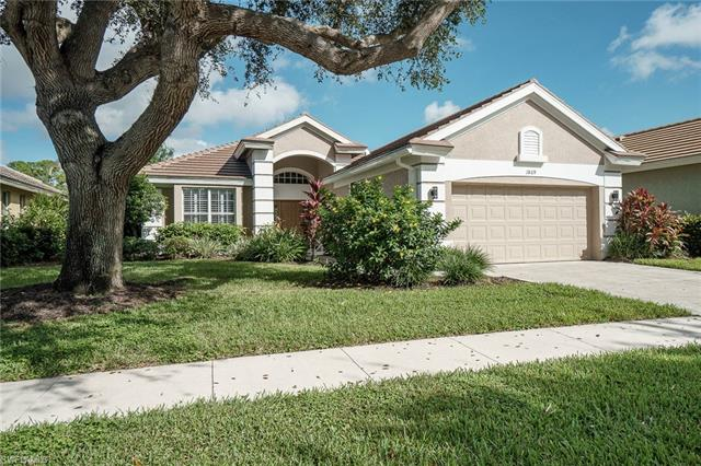 1869 Pondside Ln, Naples, FL 34109
