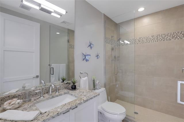 1035 3rd Ave S 318, Naples, FL 34102