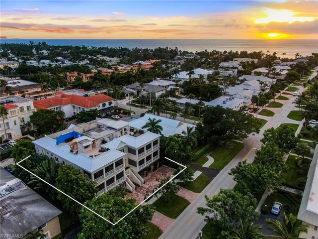 350 4th Ave S 3, Naples, FL 34102
